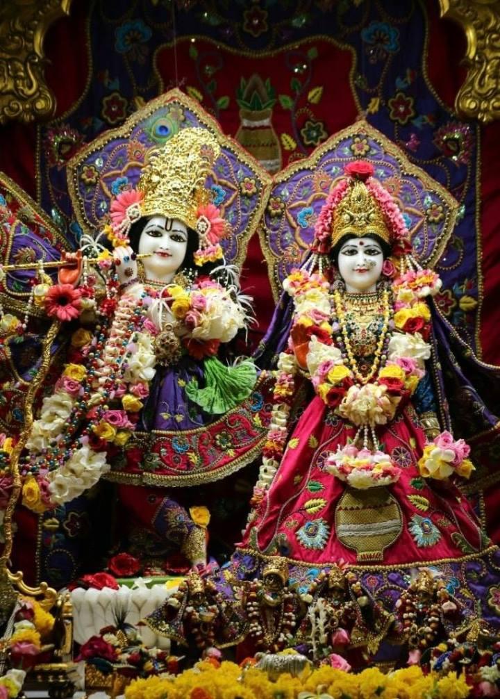 radha rasbehari ji iskon temple juhu, mumbai